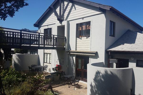 Ruyteplaats-Mountain-Estate2